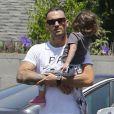 Megan Fox enceinte et son mari Brian Austin Green sont allés déjeuner avec leurs enfants Noah et Bodhi à Studio City, le 1er juillet 2016