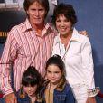 Bruce Jenner et Kris Jenner avec Kylie et Kendall à Los Angeles le 11 avril 2003