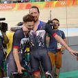 Bradley Wiggins avec Owain Doull après leur victoire dans la poursuite par équipe aux Jeux olympiques de Rio de Janeiro le 12 août 2016. © David Davies/PA Wire/ABACAPRESS.COM