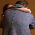 """Julien et Louise s'embrassent - """"L'amour est dans le pré 2016"""" sur M6. Le 29 août 2016."""