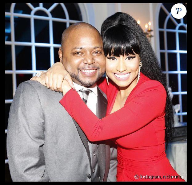 Nicki Minaj et son frère Jelani Maraj lors de son mariage au mois d'août 2015. Le frère de la popstar est accusé de viol aggravé sur mineur et sa femme lui a demandé le divorce.