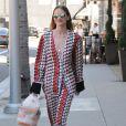 Jaime King se promène dans les rues de Beverly Hills, le 15 juillet 2016