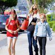 Denise Richards emmène ses filles Sam et Lola chez le dermatologue à Los Angeles, le 9 mars 2015