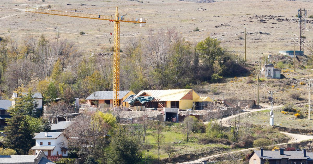 Exclusive shakira et gerard piqu se font construire une for Se construire une maison