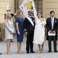 Baptême du prince Alexander de Suède au palais Drottningholm à Stockholm le 9 septembre 2016. Victor Magnuson, Cajsa Larsson, Lina Frejd, Carl Philip, Sofia, Alexander, Jan-Åke Hansson, Victoria, Oscar.
