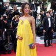 Noémie Lenoir (robe Chloé), enceinte de 6 mois, lors de la Montée des marches pour l'ouverture du 68e Festival du film de Cannes, le 13 mai 2015.