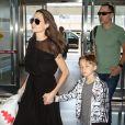 Angelina Jolie à JFK avec son frère James Haven ainsi que Maddox et Knox. New York City, le 21 juin 2016.
