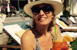 Alexandra Lamy : Féline et décolletée pour fêter ses vacances