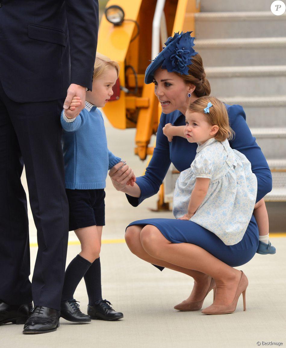 Charlotte ressemble beaucoup à George dessus!