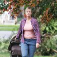 Charlize Theron a pris du poids pour le tournage du film Tully' à Vancouver, le 26 septembre 2016  A much heavier looking Charlize Theron is spotted on the set of 'Tully' in Vancouver, Canada on September 26, 2016. The film is about Marlo, a mother of three including a newborn, who is gifted a night nanny by her brother. Hesitant to the extravagance at first, Marlo comes to form a unique bond with the thoughtful, surprising and sometimes challenging young nanny named Tully.26/09/2016 - Vancouver