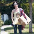 """Exclusif - Lena Headey (Cersei Lannister dans la série """"Game of Thrones""""), se balade avec un t-shirt David Bowie, dans les rues Los Angeles, le 1er juin 2016."""