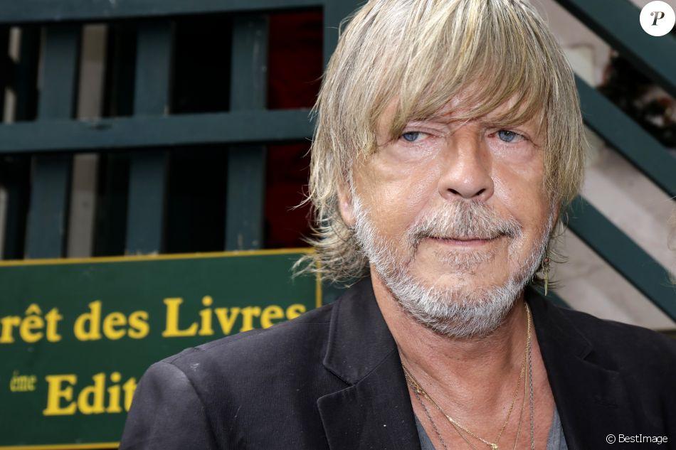 """Le chanteur Renaud - 21ème édition de la """"Forêt des livres"""" à Chanceaux-prés-Loches le 28 août 2016. © Cédric Perrin/Bestimage"""