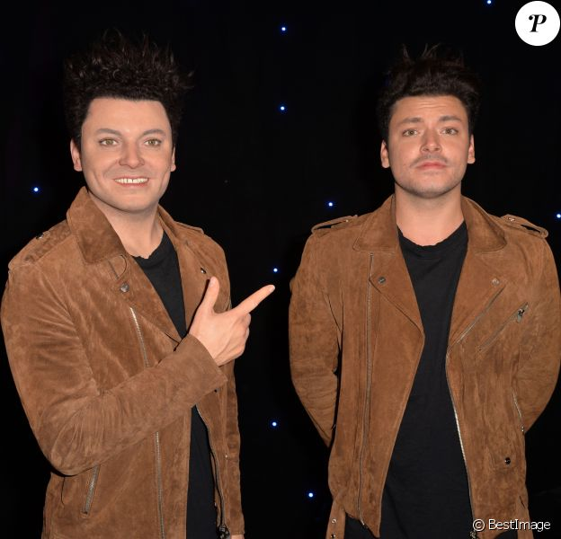 Kev Adams inaugure sa statue de cire au Musée Grévin à Paris, le 5 octobre 2016. © Veeren/Bestimage  French comedian Kev Adams unveils his wax figure at the Musee Grevin in Paris, France, on October 5, 2015.05/10/2016 - Paris