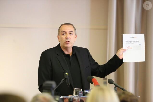 L'animateur Jean-Marc Morandini fait une déclaration à la presse dans un salon de l'hôtel Radisson à Boulogne-Billancourt, le 19 juillet 2016.