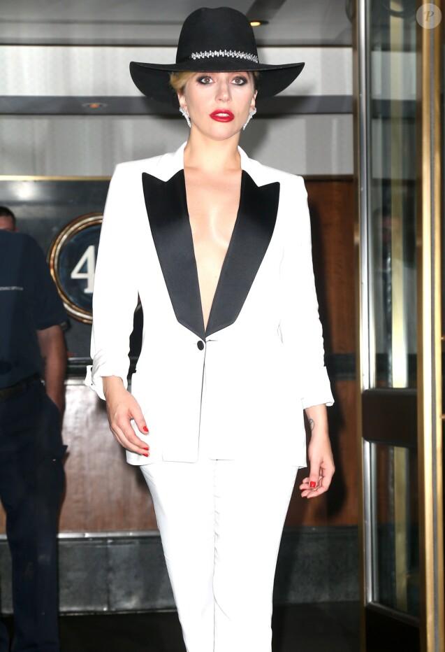 Lady Gaga à la sortie de son hôtel à New York, le 22 septembre 2016.