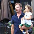 Exclusif - Ian Ziering fait du shopping avec sa fille Penna Ziering à The Grove à Hollywood, le 10 octobre 2016