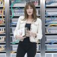 "Carla Bruni-Sarkozy au défilé de mode ""Chanel"", collection prêt-à-porter Printemps-Eté 2017 au Grand Palais à Paris, le 4 octobre 2016."
