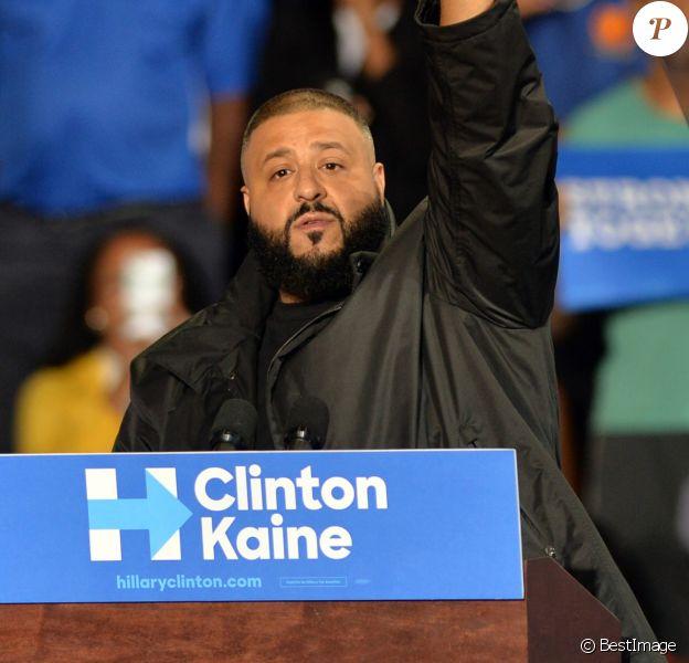 Le rappeur DJ Khaled supporte Hilary Clinton lors d'un meeting démocrate à Miami le 20 octobre 2016.