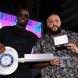 Sean John Combs, connu sous les noms de Puff Daddy, Puffy, Diddy, et P. Diddy et le DJ Khaled lors de la conférence de presse Kick-Off Revolt Music à Miami Beach, le 13 octobre 2016.
