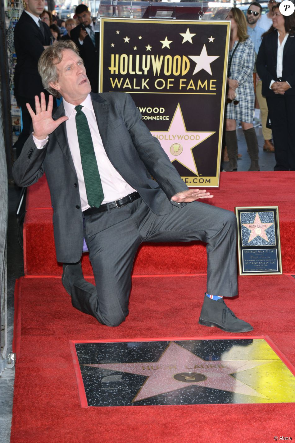 Hugh Laurie honoré sur le Walk Of Fame, à Los Angeles, le 25 octobre 2016.
