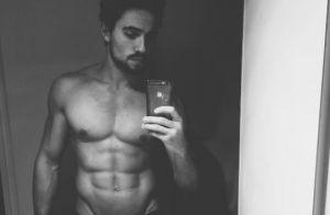 Olivier Dion : Très fier de son corps, il s'offre un selfie torse nu