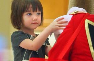 PHOTOS : Suri Cruise, 3 ans : la Mère Noël... c'est elle !