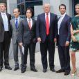 """Donald Trump et ses enfants Eric, Donald Jr et Ivanka annoncent, lors d'une conference de presse, le lancement de leur nouvel hotel le """"Trump International Hotel & Tower"""" a Vancouver, le 19 juin 2013"""
