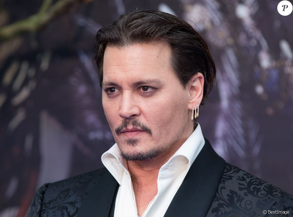 Johnny Depp à la première de Alice Through The Looking Glass European à Odeon Leicester Square à Londres, le 10 mai 2016