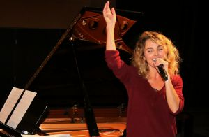 Claire Keim : La compagne de Bixente Lizarazu ravissante pour un concert unique