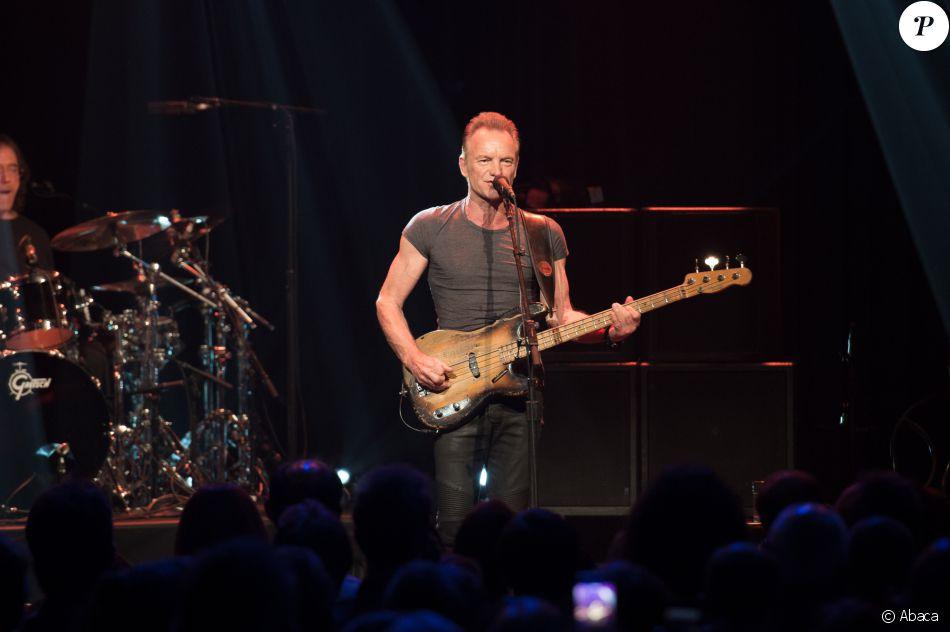 Sting sur scène lors du concert de réouverture du Bataclan, le 12 novembre 2016. Photo © David Wolff