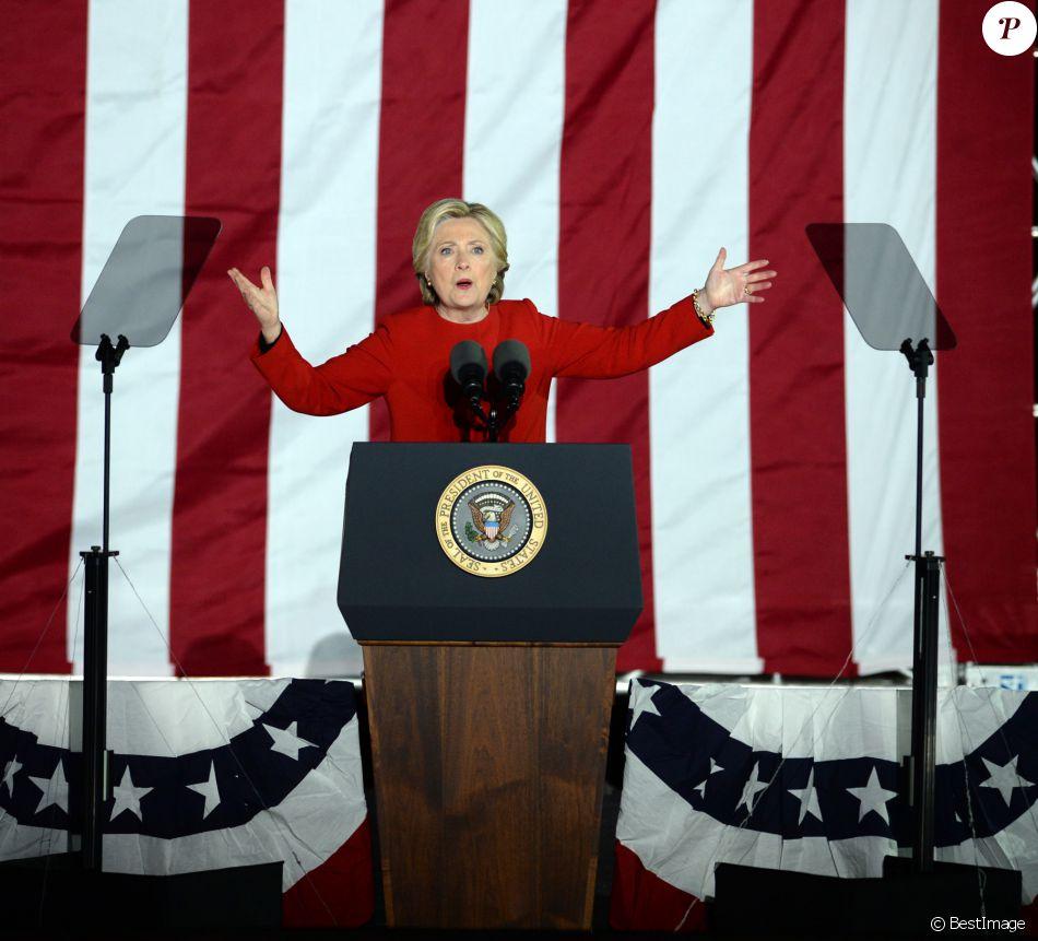 Hillary Clinton, candidate démocrate à l'élection présidentielle américain, en meeting à Philadelphie le 7 novembre 2016.
