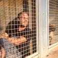"""""""Rémi Gaillard est resté 4 jours enfermé dans une cage de la SPA de Montpellier pour susciter l'adoption des animaux abandonnés et des dons. Il a récolté 200 000 euros. Photo publiée sur Instagram en novembre 2016"""""""