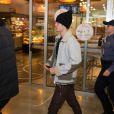 Justin Bieber arrive à l'aéroport de Zagreb en Croatie pour un concert le 9 novembre 2016.