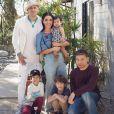 Taboo des Black Eyed Peas a publié une photo de sa famille sur sa page Instagram, le 17 novembre. Il a récement révélé s'être battu contre un cancer des testicules.