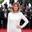 """Caroline Receveur (bijoux Messika) - Montée des marches du film """"Ma Loute"""" lors du 69ème Festival International du Film de Cannes, le 13 mai 2016."""