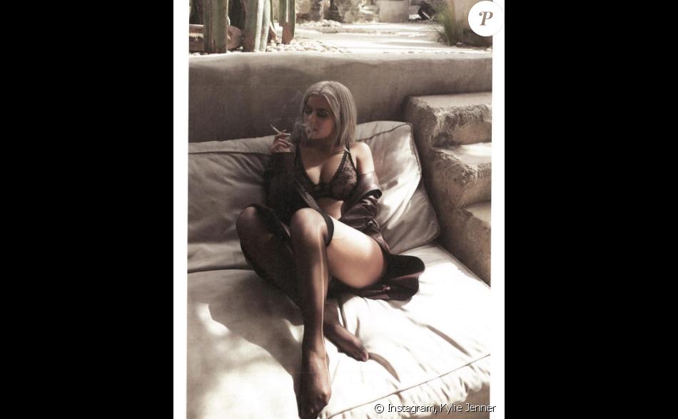 Kylie Jenner en lingerie pour évoquer un nouveau projet (kyliejennershop.com) sur Instagram le 18 novembre 2016