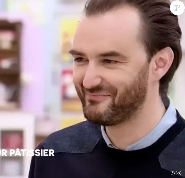 Cyril Lignac dans Le Meilleur Pâtissier, image extraite de l'épisode 7 de la saison 5, diffusé le 23 novembre 2016.