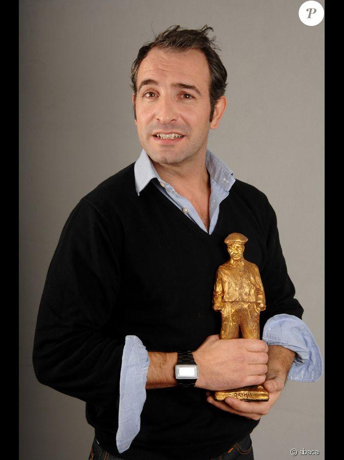Jean dujardin re oit le prix raimu de meilleur acteur pour for Dujardin xavier