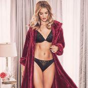 Rosie Huntington-Whiteley : La fiancée de Jason Statham fêtera Noël en lingerie