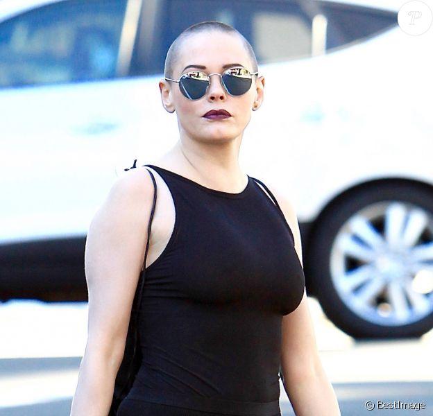 Exclusif - Rose McGowan fait du shopping dans les rues de Beverly Hills, le 3 novembre 2016