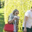 Exclusif - Emma Roberts et son fiancé Evan Peters se rendent chez des amis à Los Angeles le 4 mars 2015.