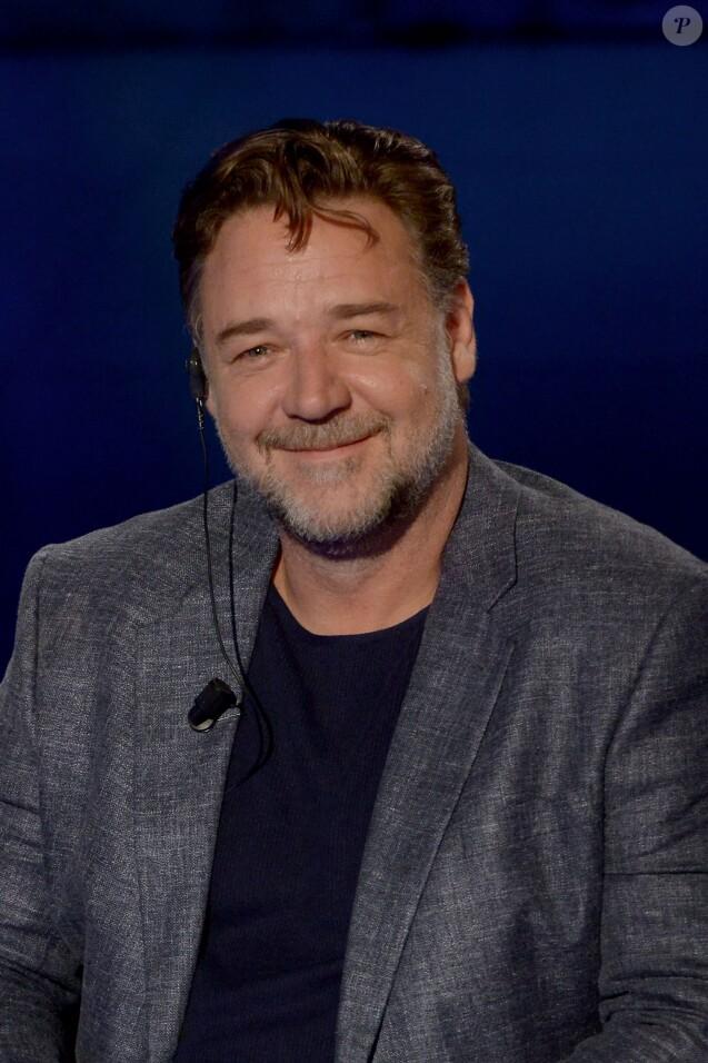 """Russell Crowe sur le plateau de l'émission TV """"Che tempo che fa"""" à Milan. Le 22 mai 2016"""