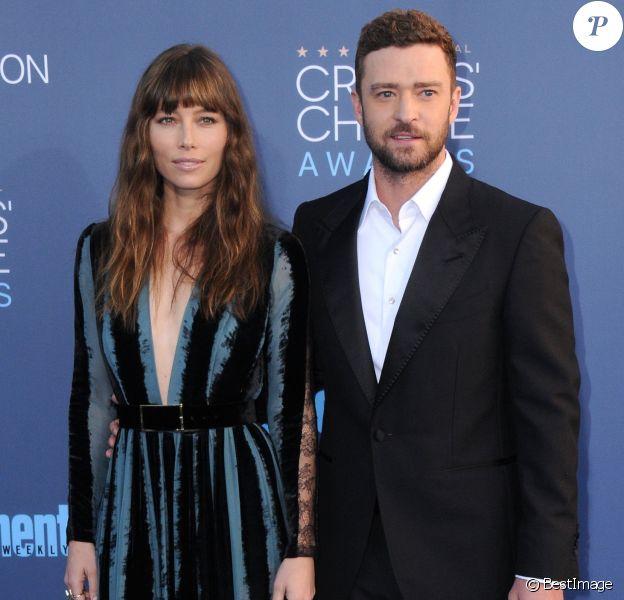 Jessica Biel et son mari Justin Timberlake à la cérémonie des Critics' Choice Awards au Barker Hangar à Santa Monica, le 11 novembre 2016