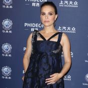 Natalie Portman enceinte : Infatigable devant Sylvester Stallone