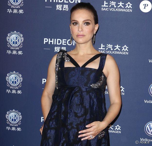 Natalie Portman enceinte lors des 21e Huading Global Film Awards à The ACE Theater, Los Angeles, le 15 décembre 2016.