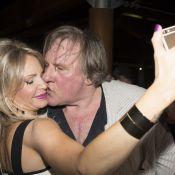 Gérard Depardieu : Bras d'honneur, baisers fougueux... L'acteur fait le show