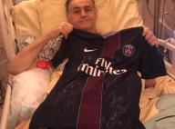 """Pierre Ménès """"très touché"""" sur son lit d'hôpital : Il reçoit un beau cadeau"""