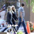 """""""Des membres de la famille de Debbie Reynolds se rendant au Memorial Park de Los Angeles pour préparer les funérailles - 29 décembre 2016"""""""