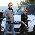 Liam Hemsworth et Miley Cyrus à la sortie du restaurant Nobu à Malibu. Le 2 décembre 2016