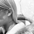 """L'artiste JonBoy a tatoué le mot """"Clarity"""" sur le cou de Sofia Richie. Photo publiée sur Instagram le 4 janvier 2016"""